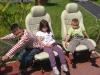 Noah, Jade, & Mathis sur leurs sièges auto